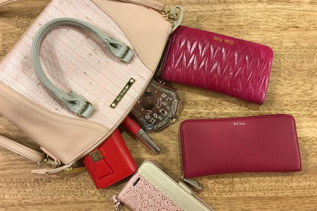 3137cf0ddbcc 定番はこれ!!】女子大学生が使っている財布のブランドを調査してみた ...